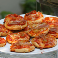 Mini Pizza at the Kids Party at The Gardens